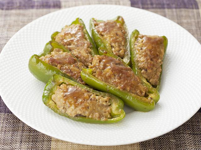 ピーマン の 肉 詰め レシピ 人気
