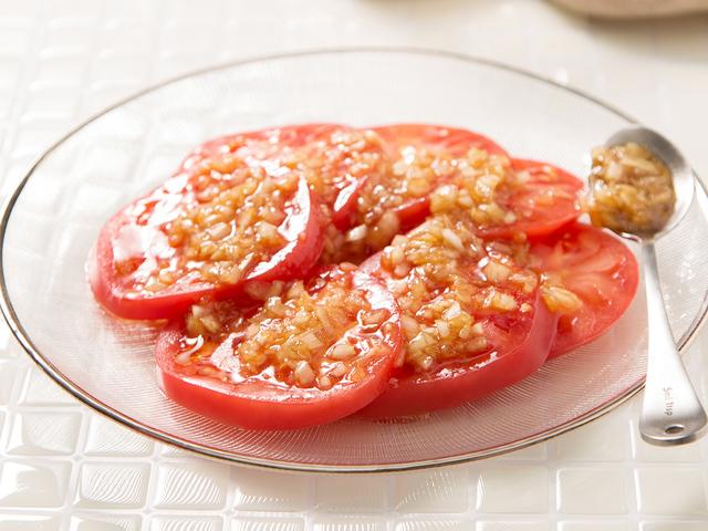 オニオン・オイスターサラダソースで絶品トマト